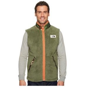 The North Face Campshire Camo Sherpa Fleece Vest